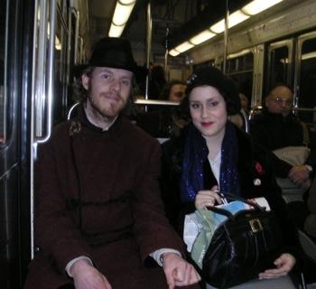 couple-metro.JPG