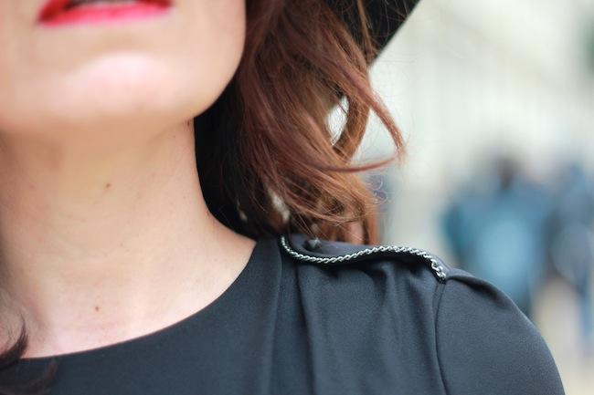 robe noire comptoir