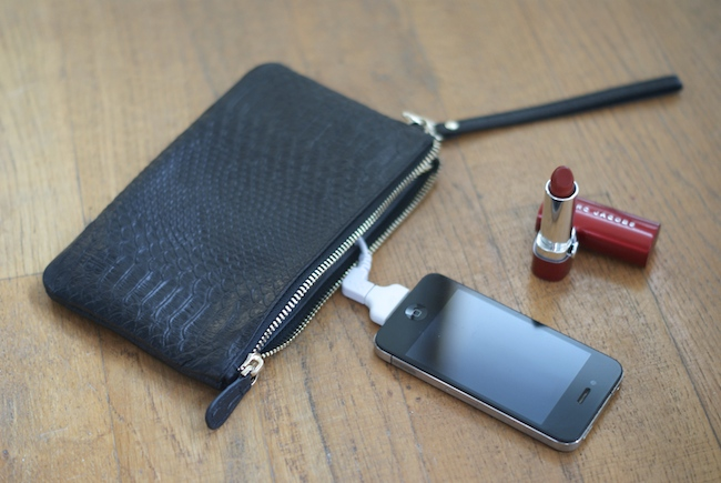 pochette recharge iphone