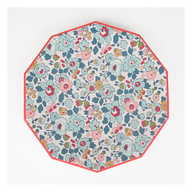 decoration-de-table-anniversaire-enfant-assiettess-liberty-fleurs-bleues-meri-meri