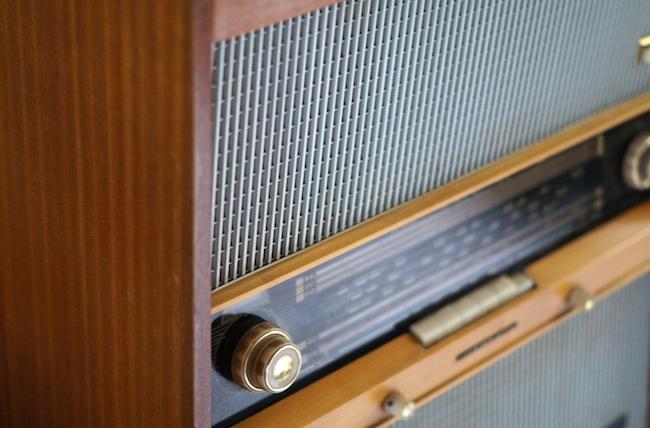 poste-de-radio-ancien